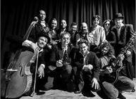 La piccola orchestra Lumiere musica The Boat e The immigrant di Charlie Chaplin
